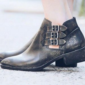FRYE Retired Black Leather Ray Belted Bootie 7